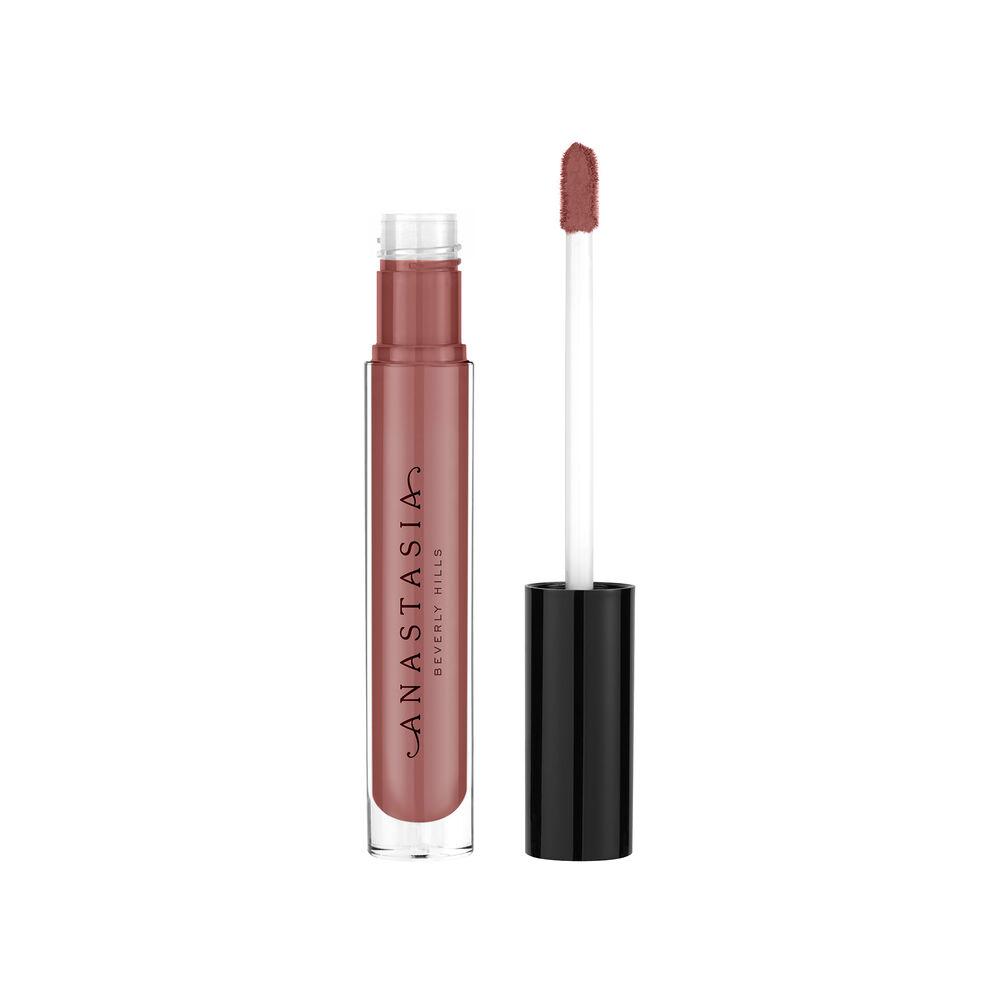 An opaque, high-shine lip color. This vanilla-scented, non