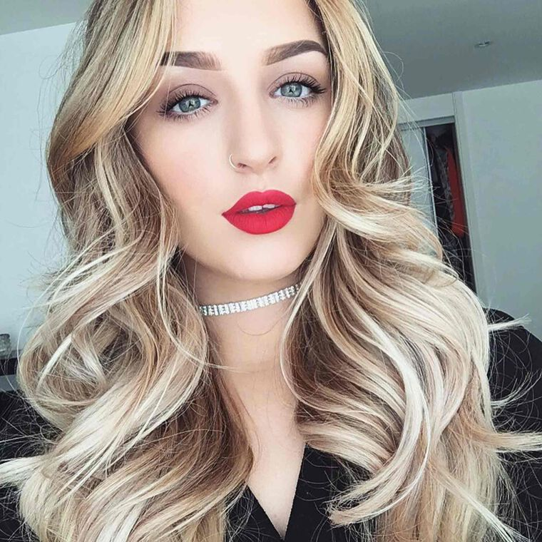 Explore the Classic Doll by @oliviahaworth_makeup featuring Liquid Lipstick - American Doll