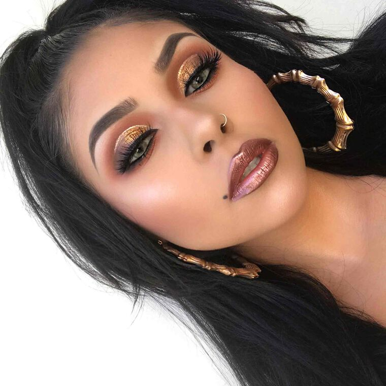 Explore the Metallic Majesty by @evyxo_ featuring DIPBROW® Pomade - Soft Brown