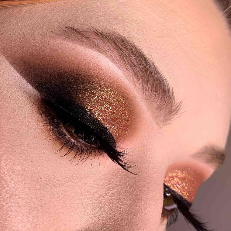 Explore the Gold Member by @keevasmakeup featuring Brow Wiz® - Taupe
