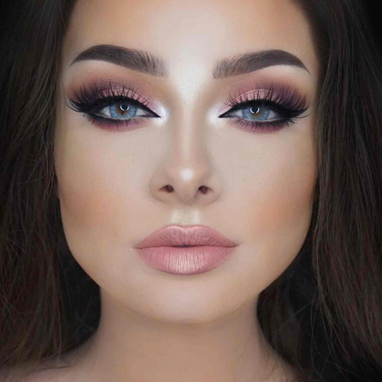 Explore the Soft Pink by @jessicarose_makeup featuring Matte Lipstick - Soft pinknull