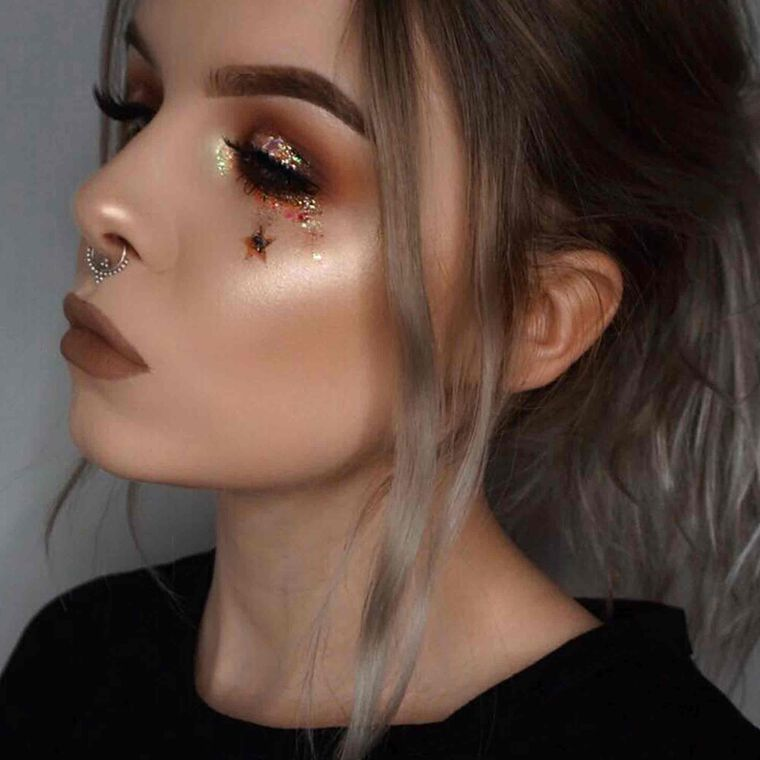 Explore the Bronze Dream by @beckyloue featuring Modern Renaissance Eyeshadow Palette null