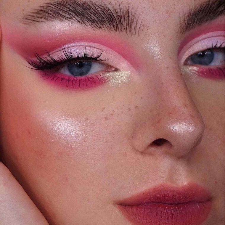 Explore the Cherry Moment by @jantoski23 featuring NORVINA® Pro Pigment Palette Vol. 4