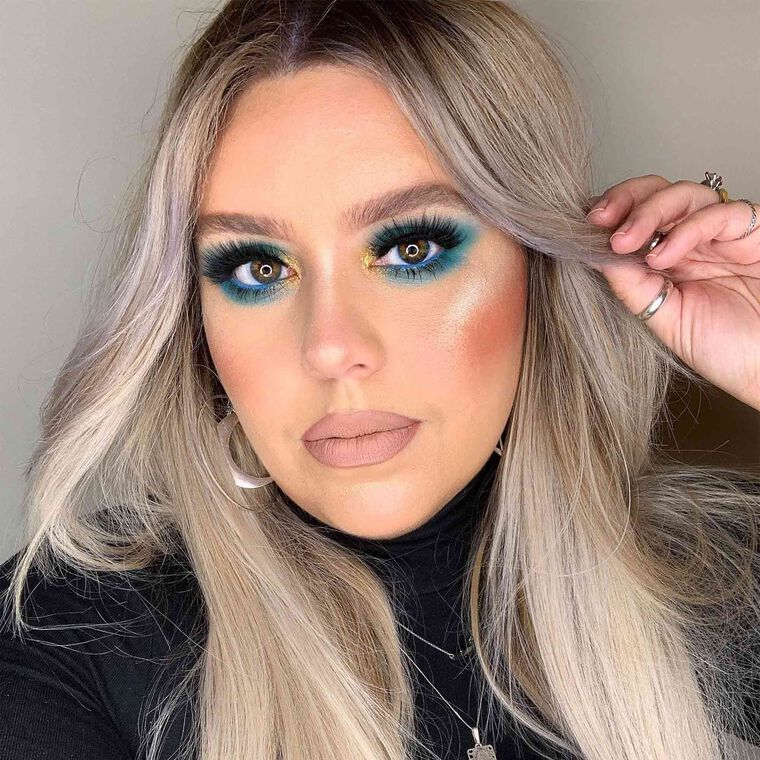 Explore the Blue Boldness by @christystarmua featuring NORVINA® Pro Pigment Palette Vol. 2