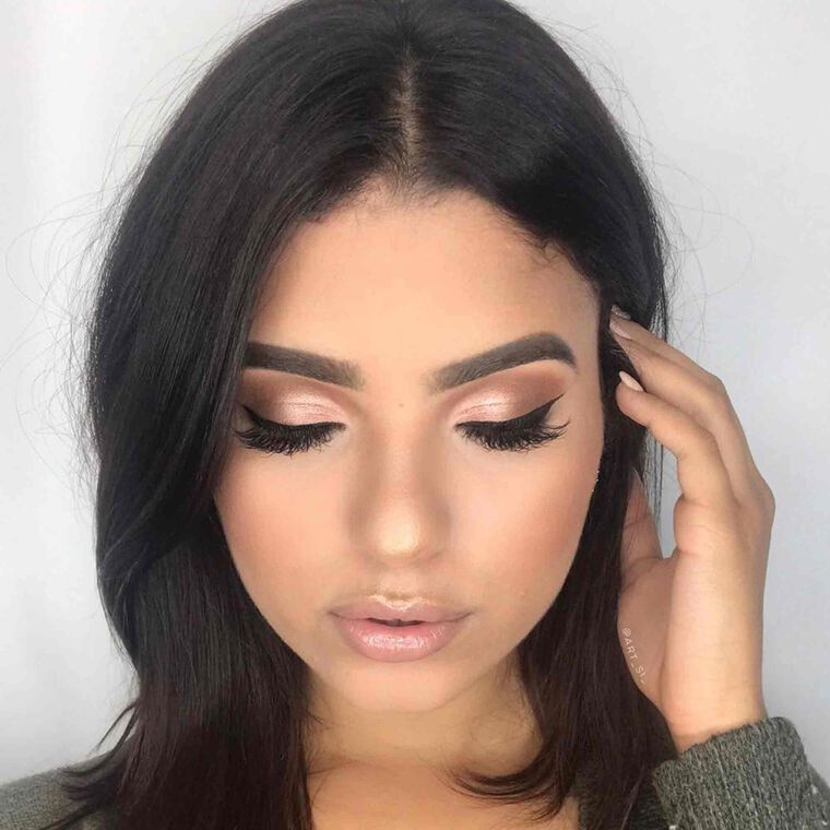 Explore the Naturally Bronzed by @art_si_ featuring DIPBROW® Pomade - Medium Brown