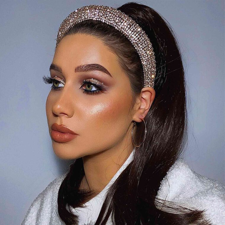 Explore the Queen of Glitz by @courtmaubach featuring Brow Wiz® - Ebony