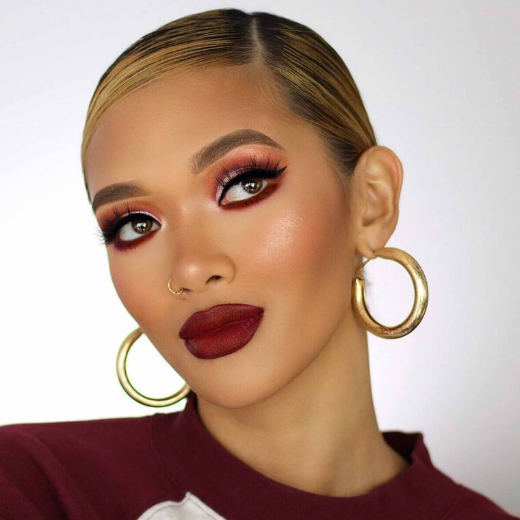 Explore the Attitude in Autumn by @che.mosley featuring Luminous Foundation - 420C