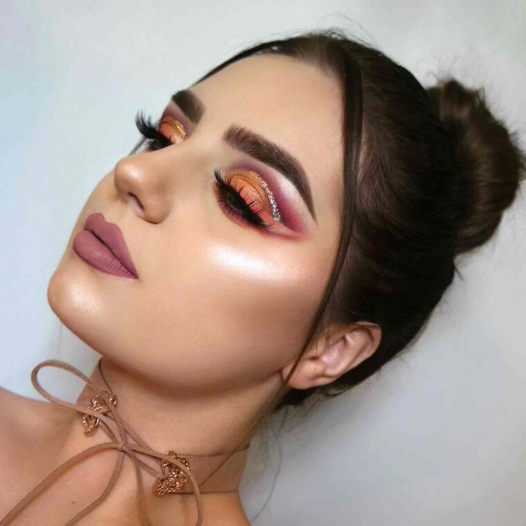 Explore the Sunset Peach by @sariellabeauty featuring DIPBROW® Pomade - Medium Brown