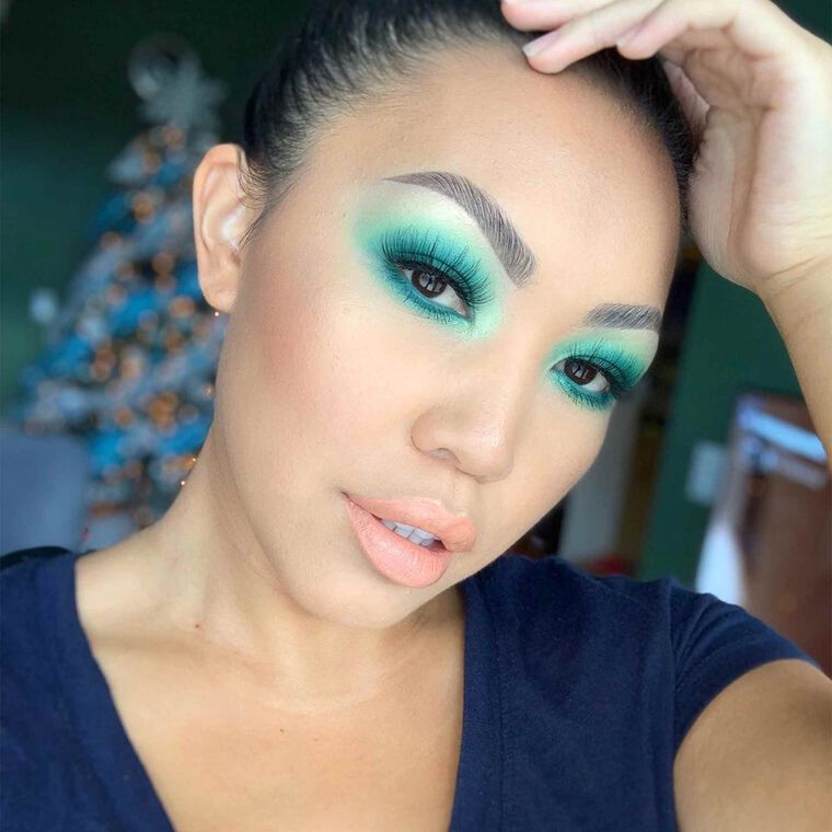 Explore the Thriving Teal by @mmaiohmmai featuring Brow Definer - Granite