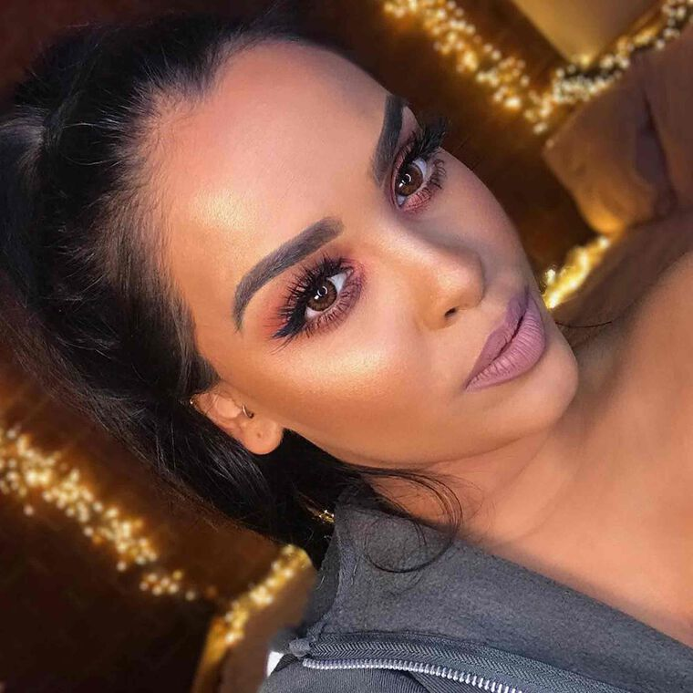 Explore the Casual Slay by @nikkissecretx featuring Modern Renaissance Eyeshadow Palette