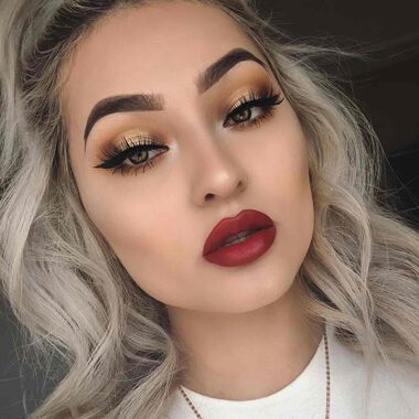 Explore the Classic Halo by @baedyxo featuring Modern Renaissance Eye Shadow Palettenull