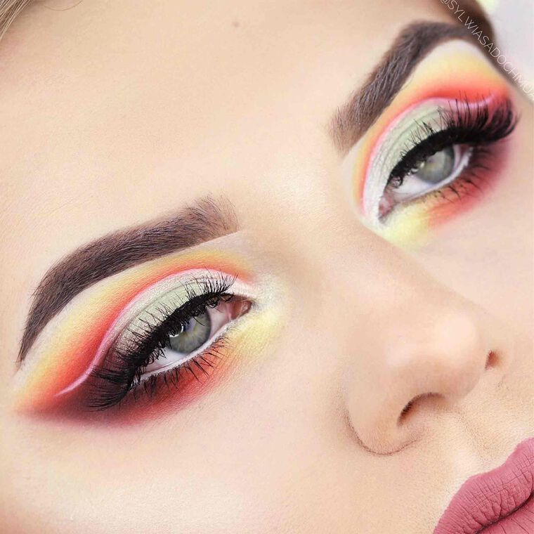Explore the Pastel Rainbow by @sylwiasadochmua featuring DIPBROW® Pomade - Taupe