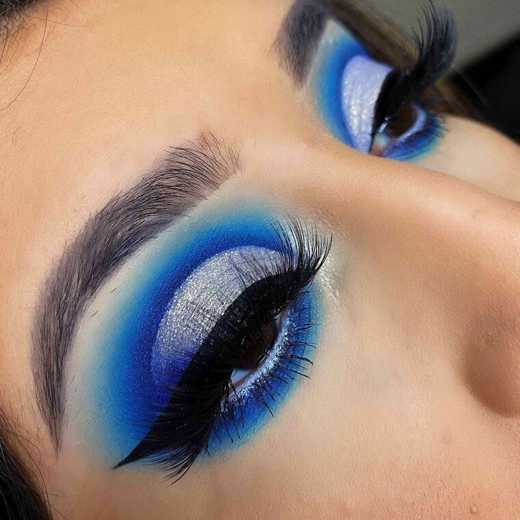 Explore the Bright Blue Sea by @makeupbyash.a featuring NORVINA® Pro Pigment Palette Vol. 2