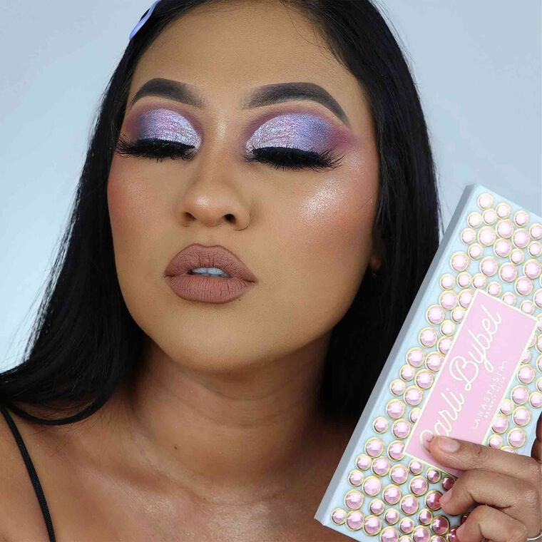 Explore the Purple Irredescence by @glam_by_gigi_ featuring Luminous Foundation - 360C
