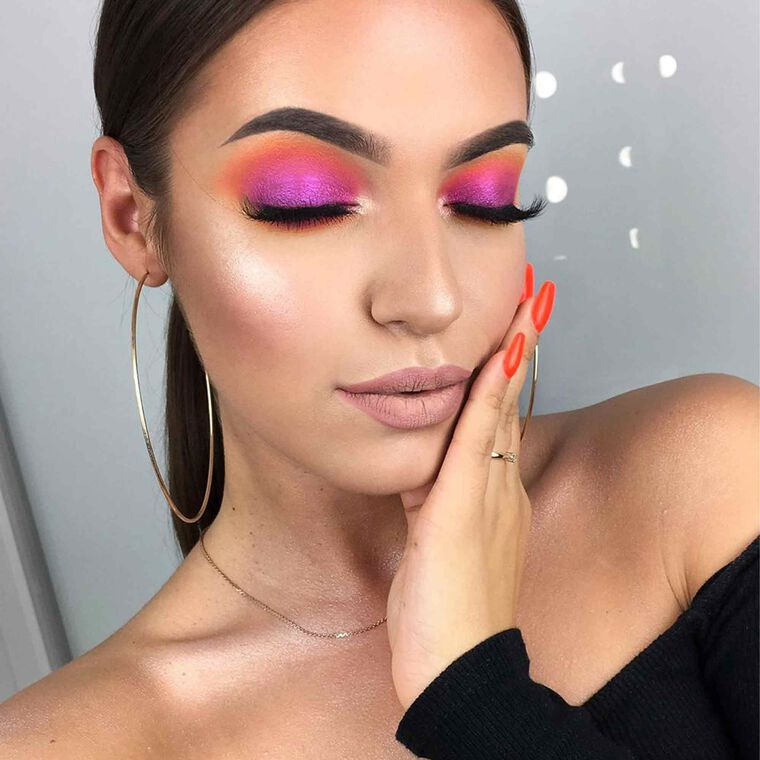 Explore the Tropical Vibes by @agnieszkapietrys featuring DIPBROW® Pomade - Dark Brown