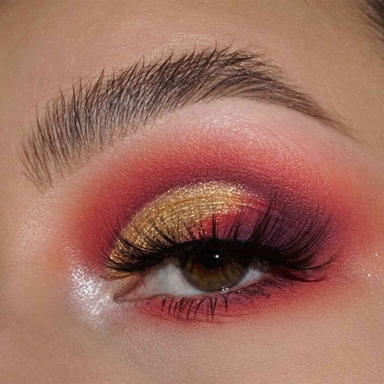 Explore the Blazing Sunset by @shannonvartistry featuring DIPBROW® Pomade - Medium Brown