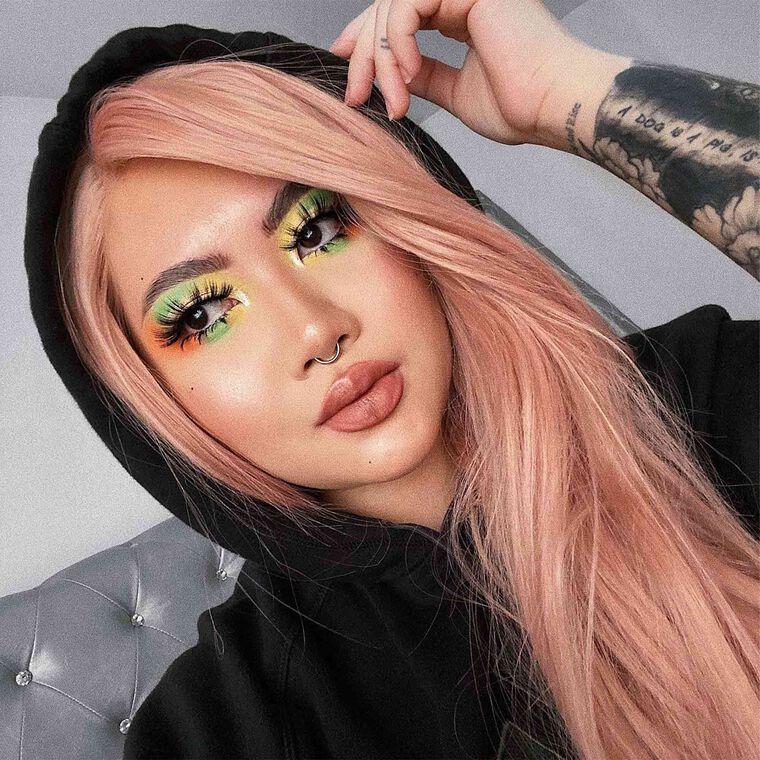 Explore the Mardi Gras by @makeupandgoodvibes featuring Brow Wiz® - Ebony