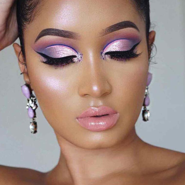 Explore the That 60s Wing by @annybeeutee featuring Clear Brow Gel