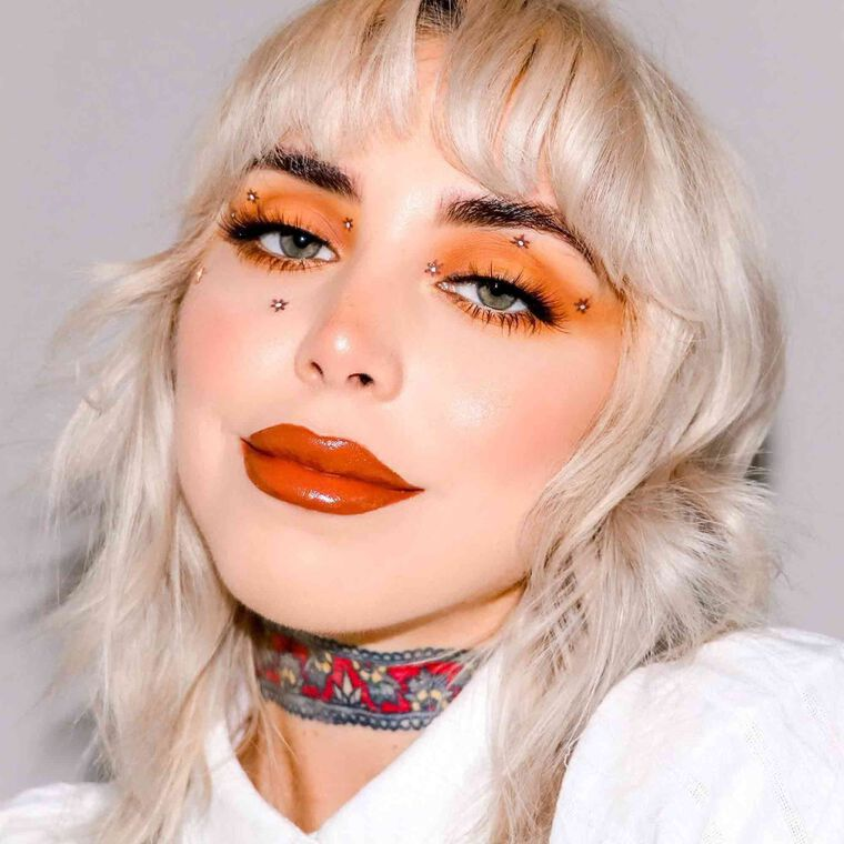 Explore the Flower Girl by @dodgygrl featuring Brow Wiz® - Caramel