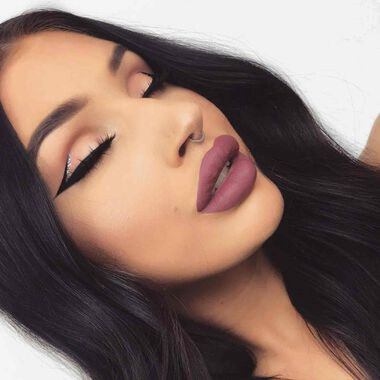Explore the Graphic Jet by @emmacervin featuring Brow Wiz® - Medium Brownnull