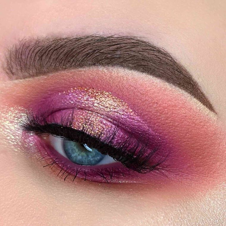 Explore the Shades of Pink by @glambylaurenx featuring DIPBROW® Pomade - Ebony