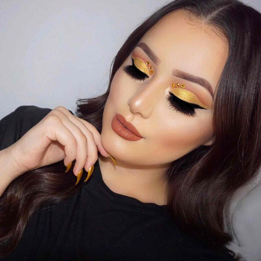 Explore the Old Gold by @amandanichole_4 featuring Liquid Lipstick - Ashton