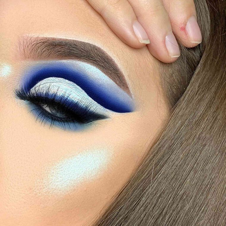 Explore the Frost Bite by @taylormariemuaa_ featuring NORVINA® Pro Pigment Palette Vol. 2
