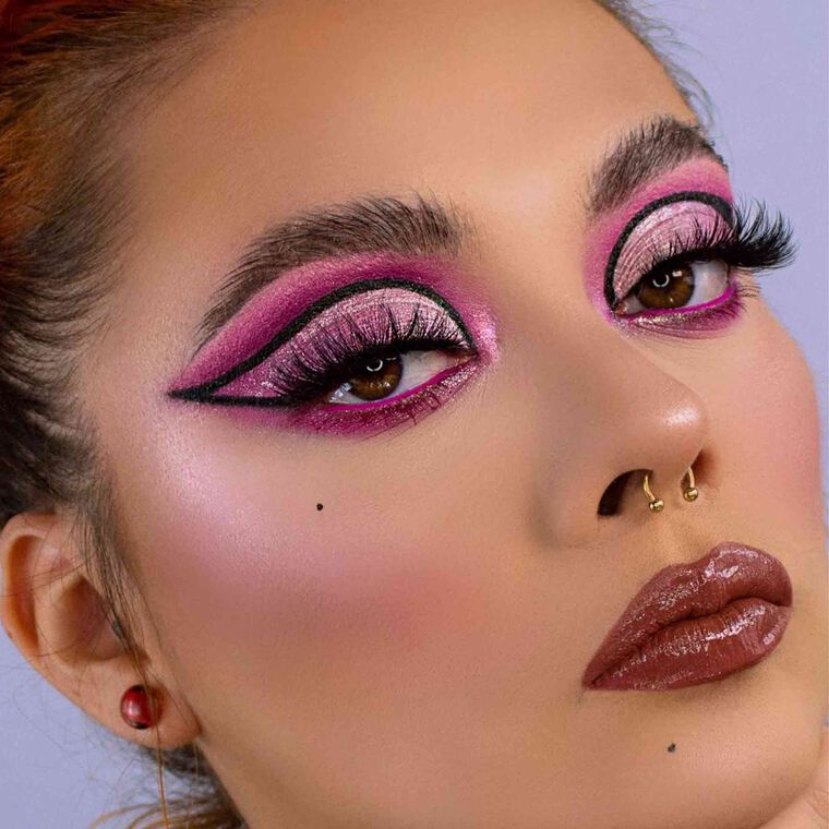 Explore the Loving Liner by @sandyhirales featuring DIPBROW® Pomade - Medium Brown