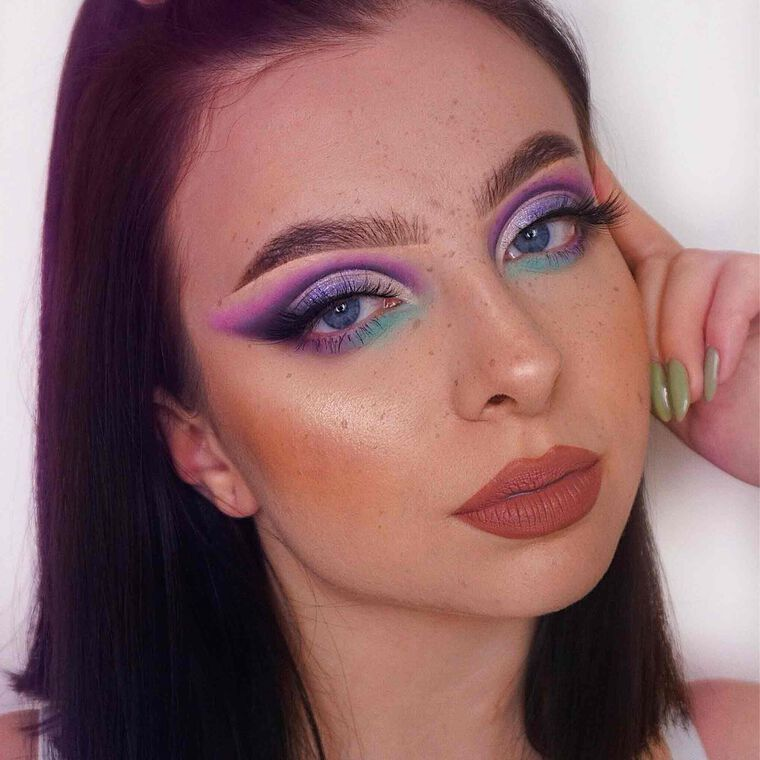 Explore the 80's Disco Look by @jantoski23 featuring DIPBROW® Pomade - Ebony