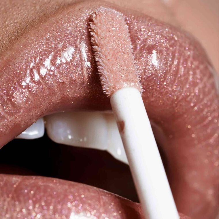 Explore the Gloss & Go by @savvylesupreme featuring Undressed Lip Set