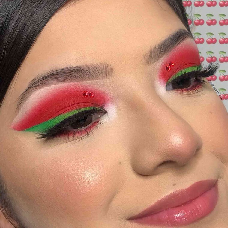 Explore the Cherry Vibes by @brianaacuna_ featuring Mini NORVINA® Pro Pigment Palette Vol. 3