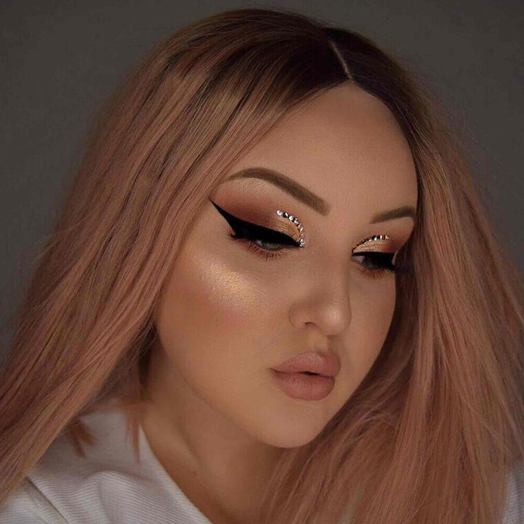 Explore the Wings for Days by @ticoxpassion featuring DIPBROW® Pomade - Soft Brown