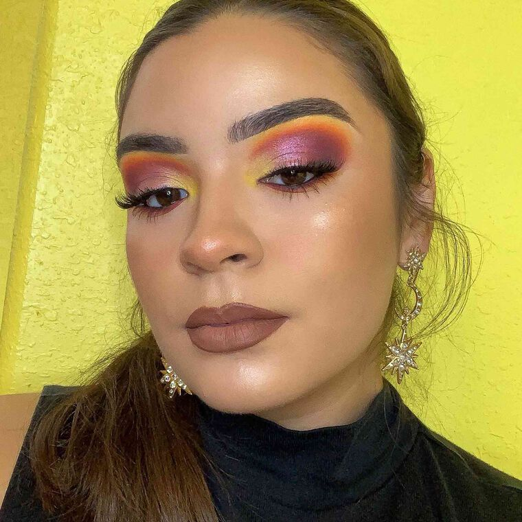 Explore the Sunset Shimmer by @iselamarieee featuring NORVINA® Pro Pigment Palette Vol. 2
