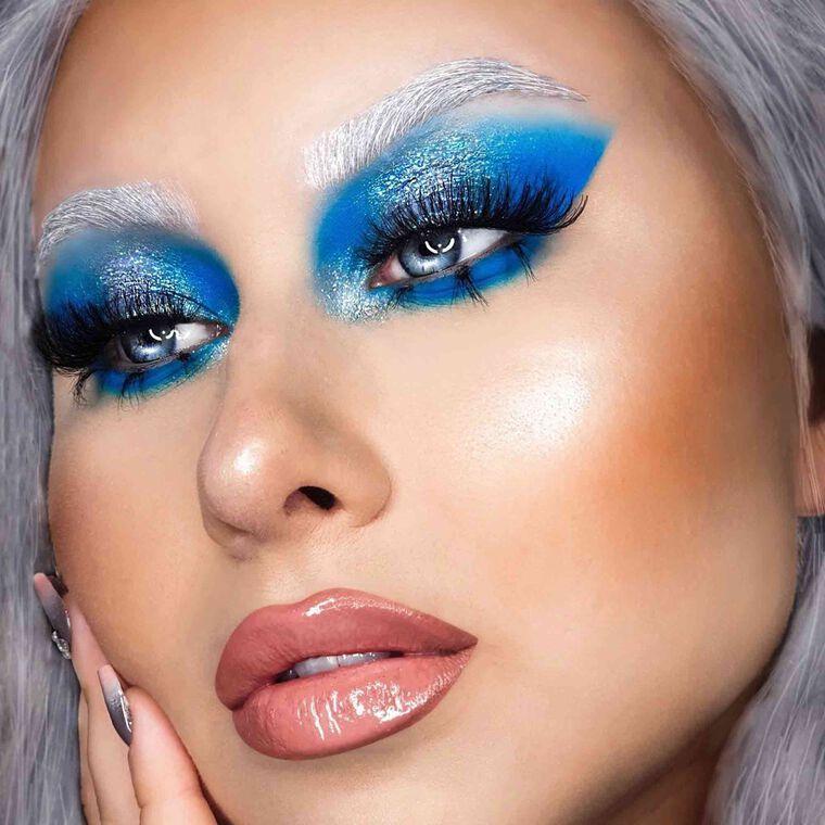 Explore the Ice Queen by @anavassiljeva featuring NORVINA® Pro Pigment Palette Vol. 2