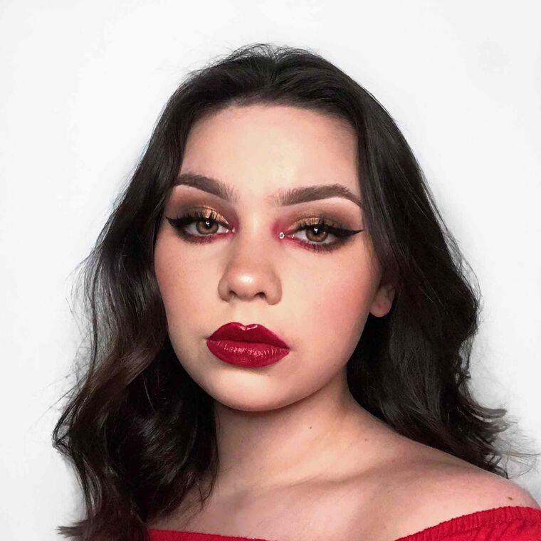 Explore the Hot as Hell by @emmaaamua featuring Brow Wiz® - Medium Brown