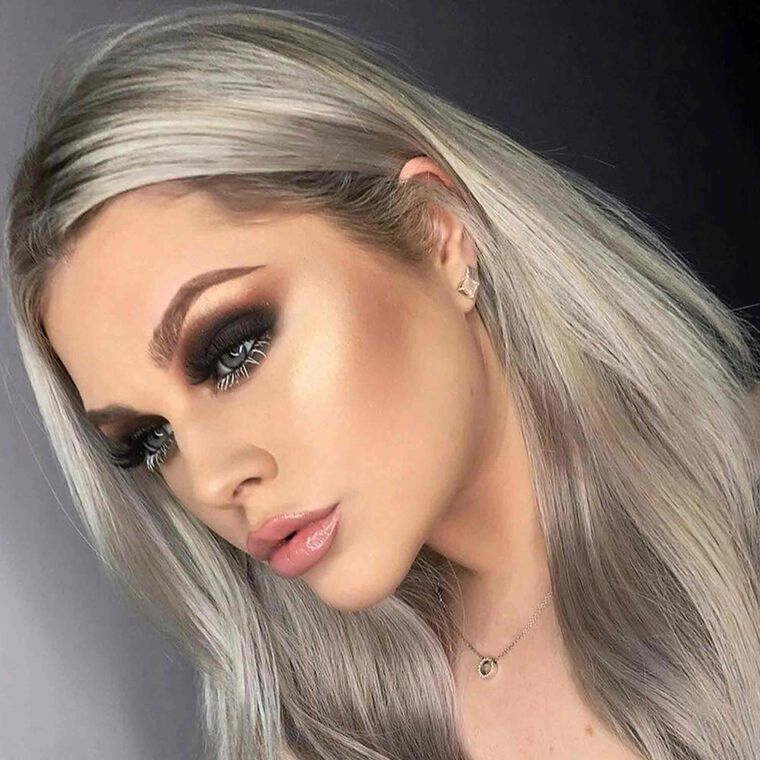 Explore the Smoky Glow by @rhiannon.pe featuring Brow Wiz® - Chocolatenull