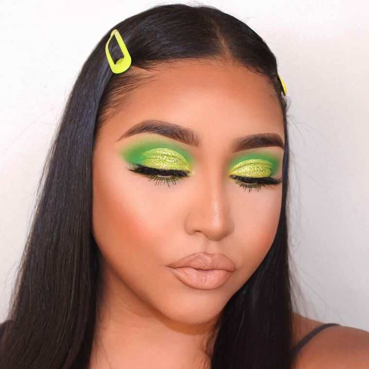 Explore the Hint of Lime by @joann_mua featuring Luminous Foundation - 355N