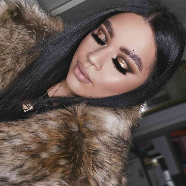 Explore the Lioness Look by @karlacruz featuring Luminous Foundation - 340C