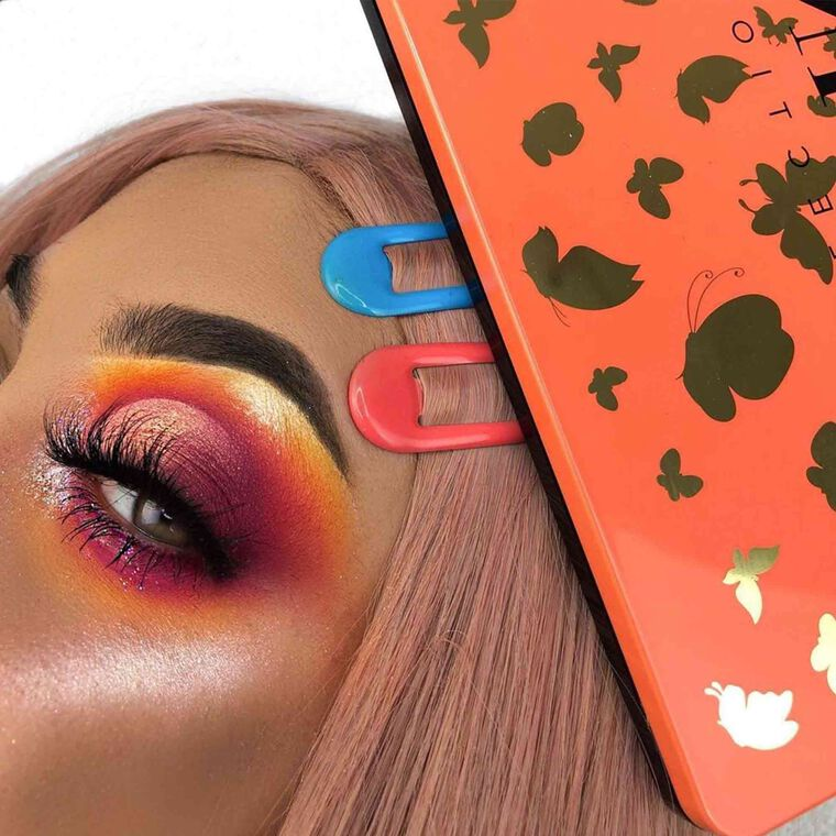 Explore the Burning Sunset by @nerizyy featuring NORVINA® Pro Pigment Palette Vol. 3