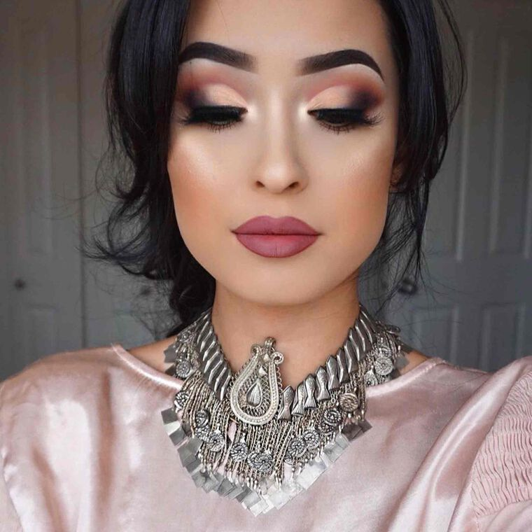 Explore the Smoky Contrast by @robena_mua featuring Matte Lipstick - Dead rosesnull